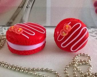 Strawberry macaron set
