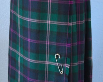 100% Wool Kilt  Two leather Buckles Silver Skirt Pin Made in Ireland