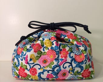 Insulated Makeup Bag or Lunch Bag - Mums White