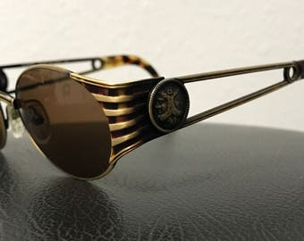 Fendi FS 142 Havana / Vintage Sunglasses / Made In Italy / Comes With Fendi Case