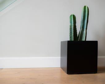 Cube Planter | Pot | Indoor & Outdoor Modern Lightweight Hand Painted Planters | Large Planter | Matte Black | Minimalist Shape | Plant Pot