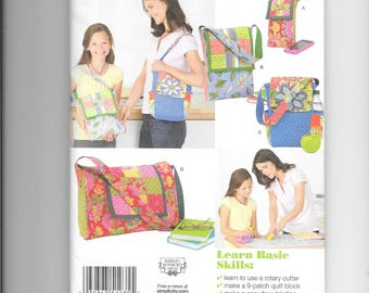Simplicity 1935 - Messenger or Shoulder Bag -