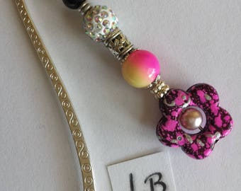 Reading patterns - fuchsia/black flower bead and round beads