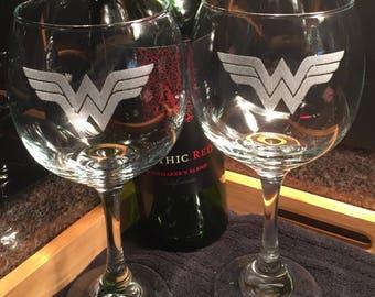 Wonder Woman Wine Glasses - Wonder Woman Glasses - Glassware - 21.5 oz Wine Glasses - SciFi - Gifts for her - Handmade