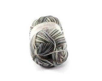 Socks knitting yarn. Fancy Yarn for creating socks, sweater, hats, etc. Print sock-knitting wool made in Italy
