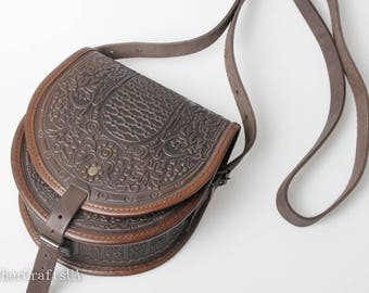 Brown crossbody bag, round leather bag, brown leather purse, chocolate bag womens, crossbody bag, messenger bag, embossed leather