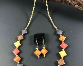 Multi color & gold tone necklace and earring set