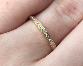 Pave Style 14K Yellow Gold Wedding Band