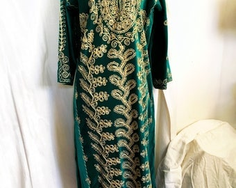 Vintage 70s Moroccan Greeen Velvet Caftan with Gold Embroidery Small