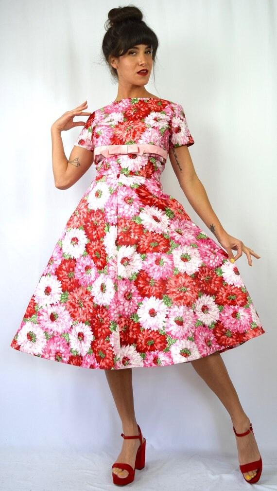 Vintage 50s 60s Dahlia Print Polished Cotton Full Skirt and Button Back Blouse 2 Piece Set (size medium, large)