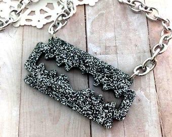 BEAUTIFUL BLADE - Silver Glitter Acrylic Razor Blade Necklace
