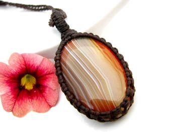 Agate Necklace,  agate jewelry, Red Agate, Orange Agate, fall fashion, autumn finds, healing stone,  healing necklace, body mind and spirit