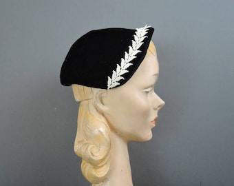 Vintage 1950s Hat Black Velvet with White Lace trim, fits 22 inch head, Evening Hat