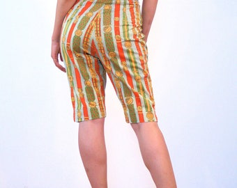 The Winner, 60s Shorts M, Novelty Print Shorts, Medal Ribbon Coin Print Shorts, Women's 1960s Shorts, Knee Length Shorts, 60s Cotton Capris