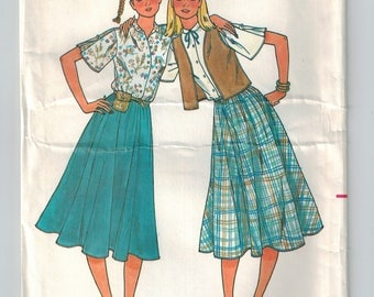Vintage 70s Skirt Blouse Vest Sewing Pattern Boxy Vest Loose Fitting Blouse Shaped Collar Flared Full Skirt Below Knee Bust 34 36 38