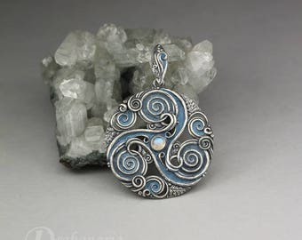 Forest triskele - Celtic inspired silver pendant with moonstone and oak leaves, limited collection