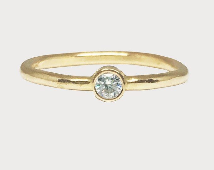 Wishing Star Love Ring_ 14K Yellow Gold Solitaire Diamond Engagement Ring