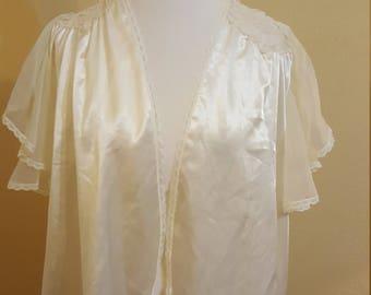Ivory Vintage Val Mode Robe