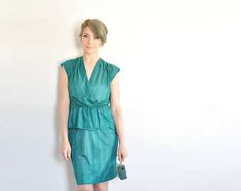 emerald teal 2 pc outfit . matching green blouse and high waist skirt .small.sale s a l e