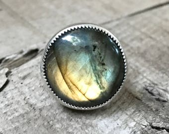 Large Round Chunky Flashy Labradorite Sterling Silver Ring | Unique Setting Ring | Protection Ring | Energy Stone Ring | Labradorite Ring