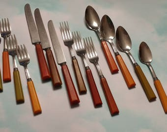 Mixed Colored Lot Of 14 Vintage Bakelite Flatware Pieces / 1940s Stainless  Steel / Green,