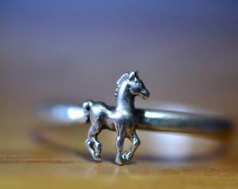 Equine Ring, Sterling Silver Equestrian Horse Lovers Jewelry, Custom Engraved Pony Charm Band