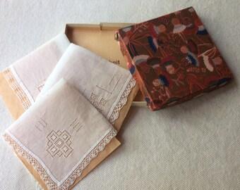 Antique Linen Handkerchiefs -Wedding Accesories -Bridal Party Gifts- Linen Handekerchiefs