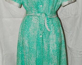 Vintage Prissy brand dress w/belt, Button front 3/4 down, Princess seams