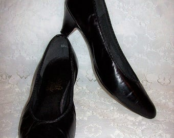 Vintage Ladies Black Leather Pumps So Soft Plus by 925 Size 8 1/2 Only 8 USD