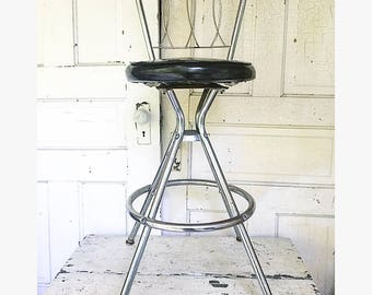 Wonderful Vintage Kitchen Stool Chair Farmhouse Metal