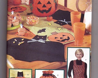 Halloween Table Top / Original Butterick Home Decorating Uncut Sewing Pattern 6299