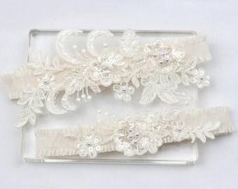 Ivory lace garter set, wedding garter set, Lace garter set, bridal garter set, ivory garter set, wedding garter belt