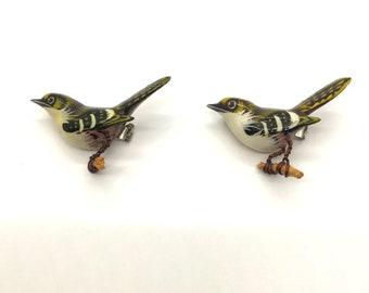 Pair of Authentic Takahashi Bird Pins, Hand Painted Bird Pin, Bird Brooch, Takahashi Finch Black Beak, Painted Wood Bird Pin