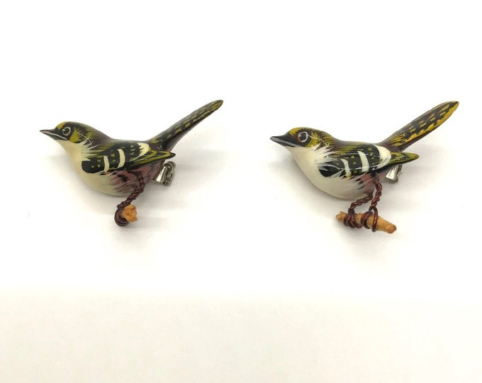 Pair of Authentic Takahashi Bird Pins, Hand Painted Bird Pin, Bird Brooch, Takahashi Finch Black Beak, Painted Wood Bird Pin