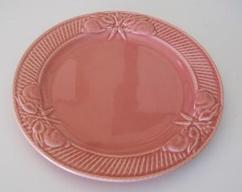 Bordallo Pinheiro Pink Bunny Rabbit and Carrots Salad Dessert Plate Pristine Made in Portugal