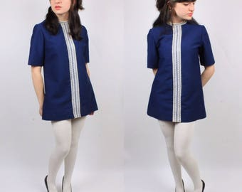 Vintage Blue Tunic Shirt Dress with Half Sleeves and White Knit Design