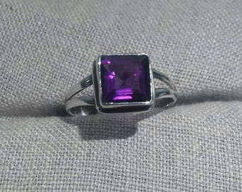 Amethyst Princess Cut Sterling Ring Purple February Birthstone Silver Modernist Set Size 9 Deep Rich Plum Unique Statement