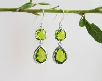 Peridot Earrings - Silver Dangle Earrings - Stone Earrings - Drop Earrings - Birthstone Earrings - Green Earrings  - Peridot Jewellery
