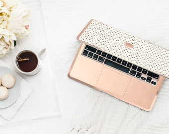 Dots and Cream with Rose Gold Edge Hybrid Hard Case for Apple Mac Air & Mac Retina , New Macbook 2016 - Platinum Edition