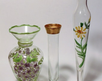 3 Glass Bud Vases Clear Glass Hand Painted Flowers Gold Gilted Rim Lot of 3 Home Decor Kitchen Posies Cut Flowers