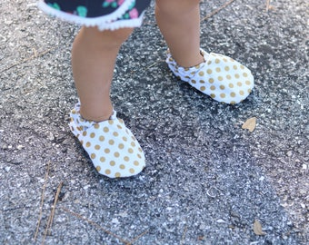 Gold Dot Baby Shoes // Metallic Glitter Gold White, Polka Dot Shoes, Cabooties, Baby Moccasins, Infant Shoes, Newborn Shoes, Baby Girl Shoes