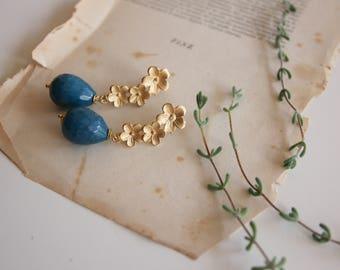Agate blue earrings