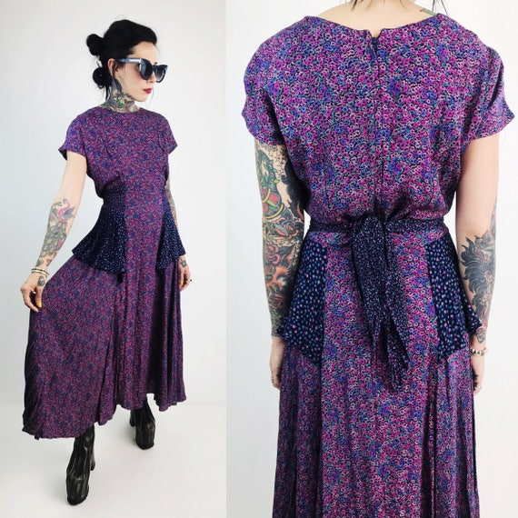 80's Purple Floral Peplum Maxi Dress Small 4/6- Vintage Funky Printed 1980s Ruffle Fall Sundress - Womens Two Tone Tie Back Ruffle Dress