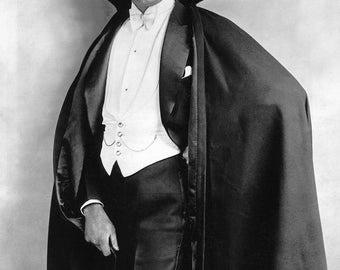 Bela Lugosi in the 1931 Dracula # 3
