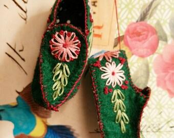 Decorative Elf shoes/ wall decor