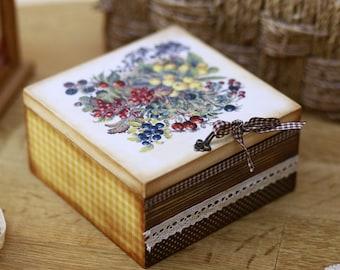 Rustic wooden box, Wood Storage Box, Vintage Box, Trinket Box, Keepsake Box, Polka dots box, Berries and flowers motif, Girls jewelry box
