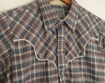 Vintage Western long sleeve plaid button up shirt / Size Medium