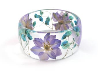 Purple flower bangle bracelet, Pressed flower jewelry, Resin bangle, Rounded Bangle, Real flower Bracelet, Blue bracelet, garden jewelry