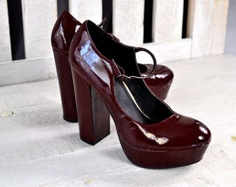 Sz 8 1990s Women's Faux Patent Leather Platform Mary Janes 5 Inch Heel Dark Red Chunky High Heel Strappy Platform Shoe Burgundy Maroon Vegan
