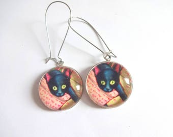Earrings cabochon cat right? Cat's